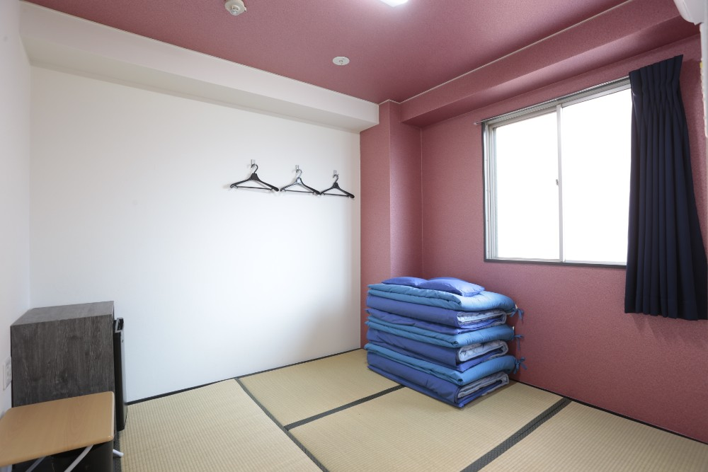 Pleasing Smoking Room For Four Traditional Japanese Style Room 6Mats Interior Design Ideas Philsoteloinfo
